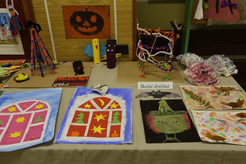Podzimní výstava výrobků našich žáků a žákyň